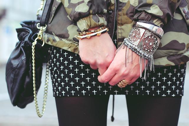 jewellery-792085_640